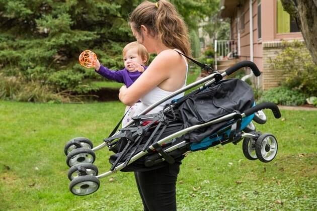 3 mẫu xe đẩy trẻ em siêu nhẹ được yêu thích nhất 1