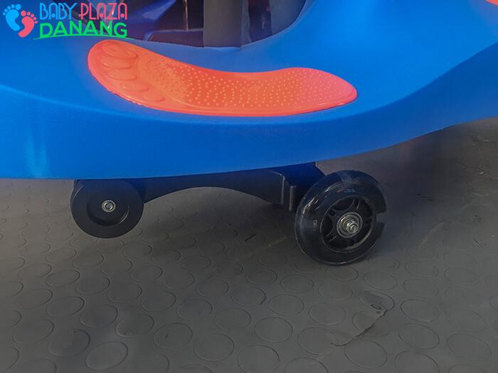 Xe lắc đồ chơi cho bé Broller XL-8097C 17