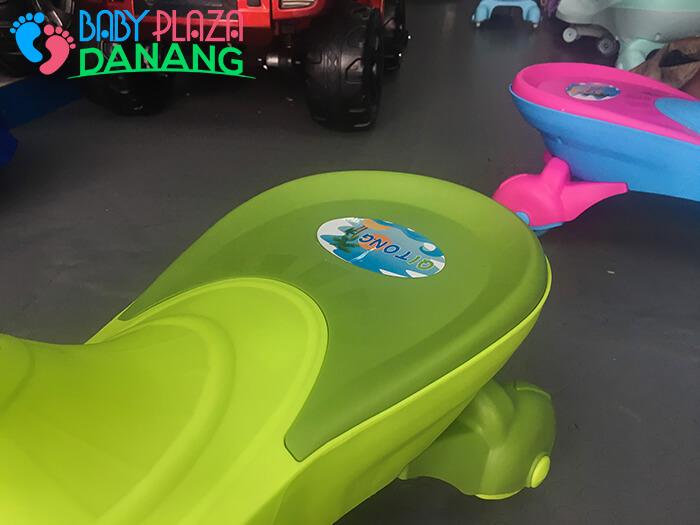Xe lắc đồ chơi trẻ em Broller 8099B 8