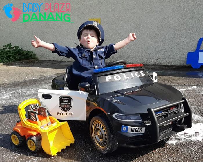 Xe ô tô cảnh sát cho bé JC-666 3