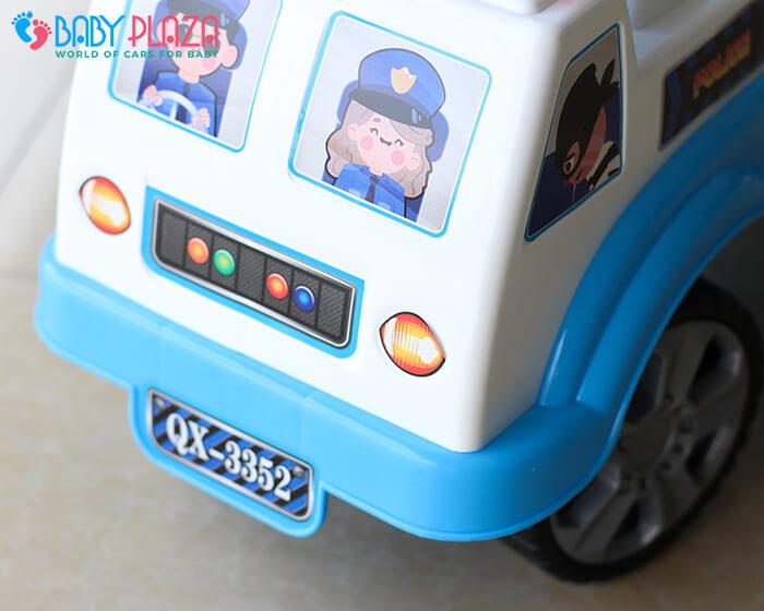 Chòi chân 4 bánh mô hình xe cảnh sát QX3352 3