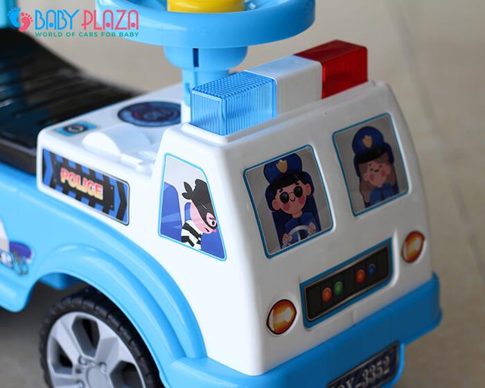 Chòi chân 4 bánh mô hình xe cảnh sát QX3352 5